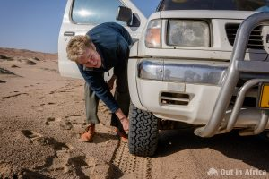 Luft wird aus den Reifen gelassen