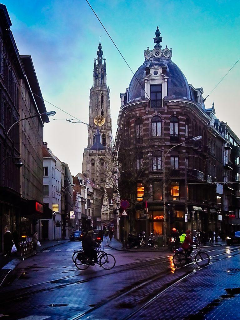 Regennasses Antwerpen