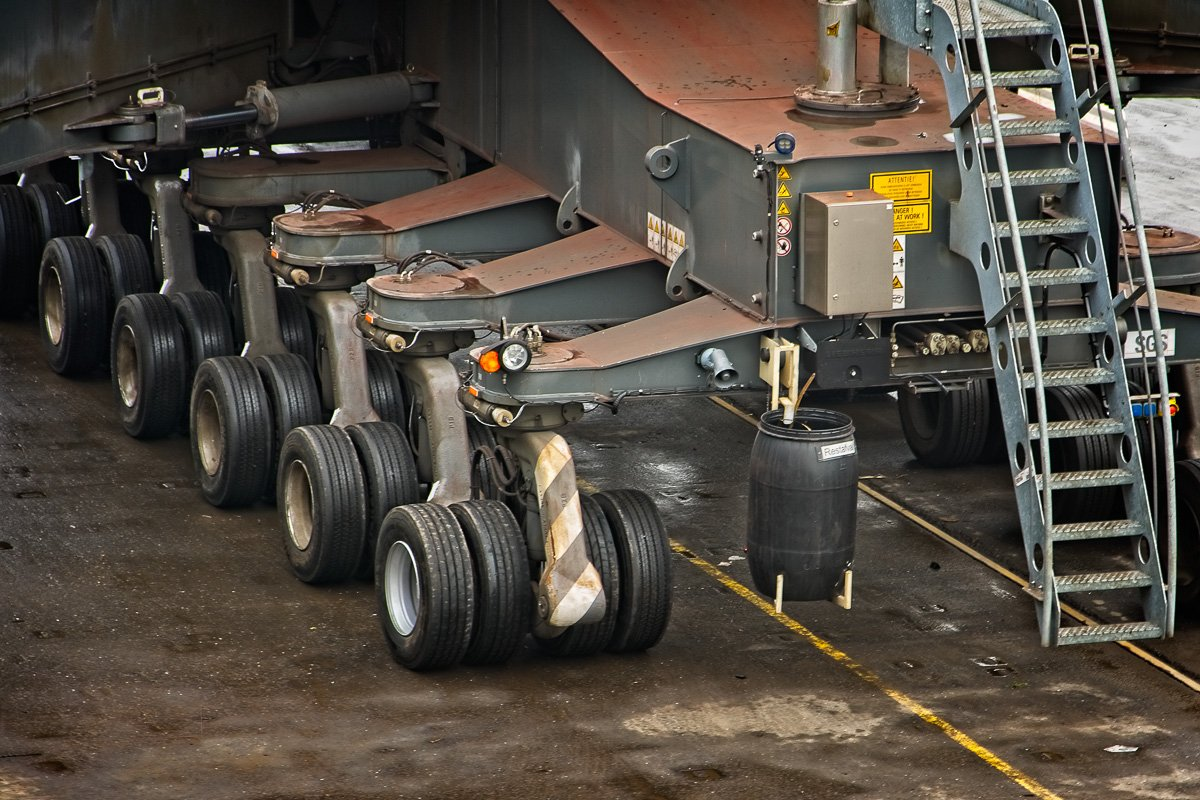Truck wheels on the crane