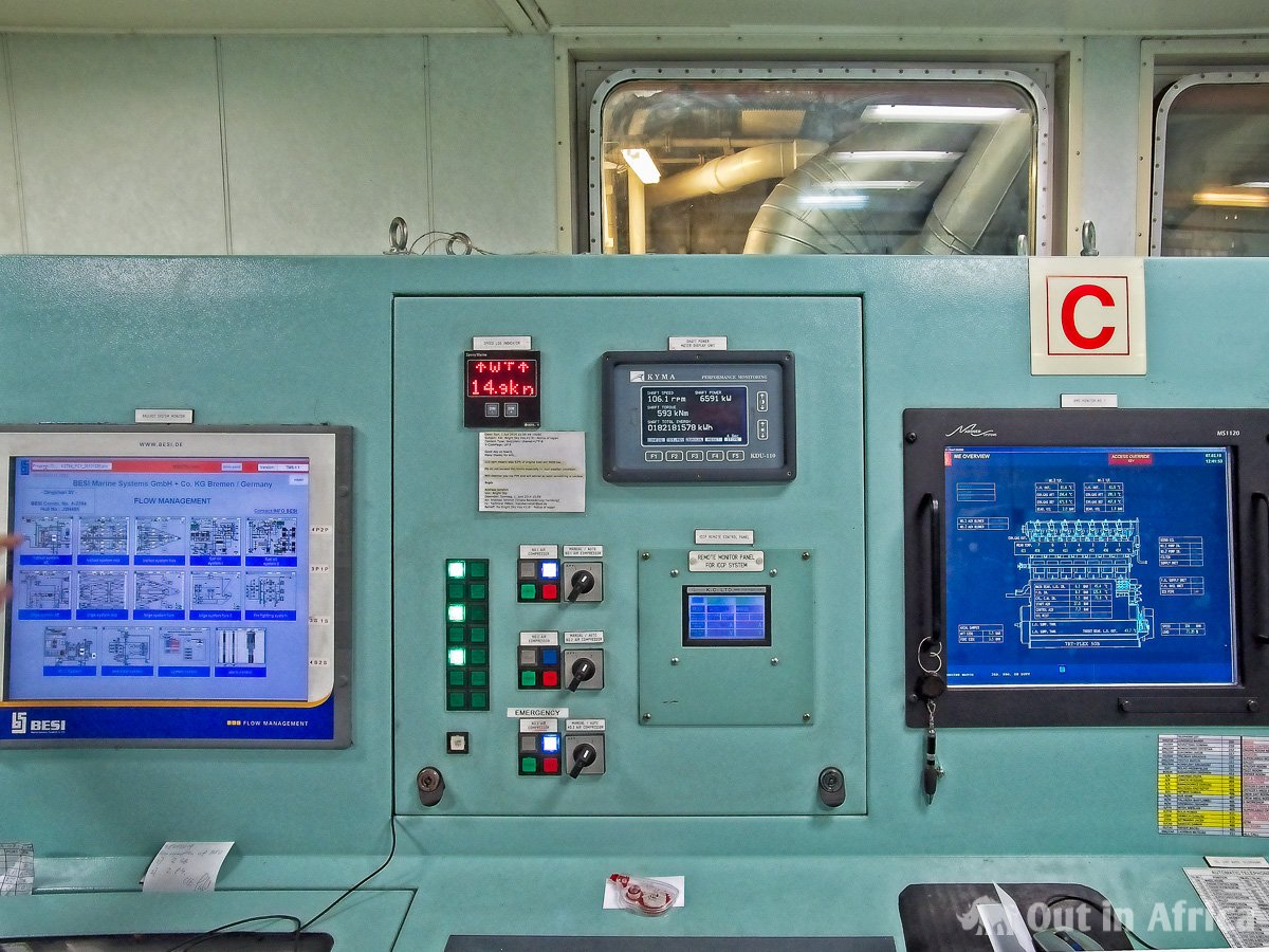Monitoring screens in the engine room
