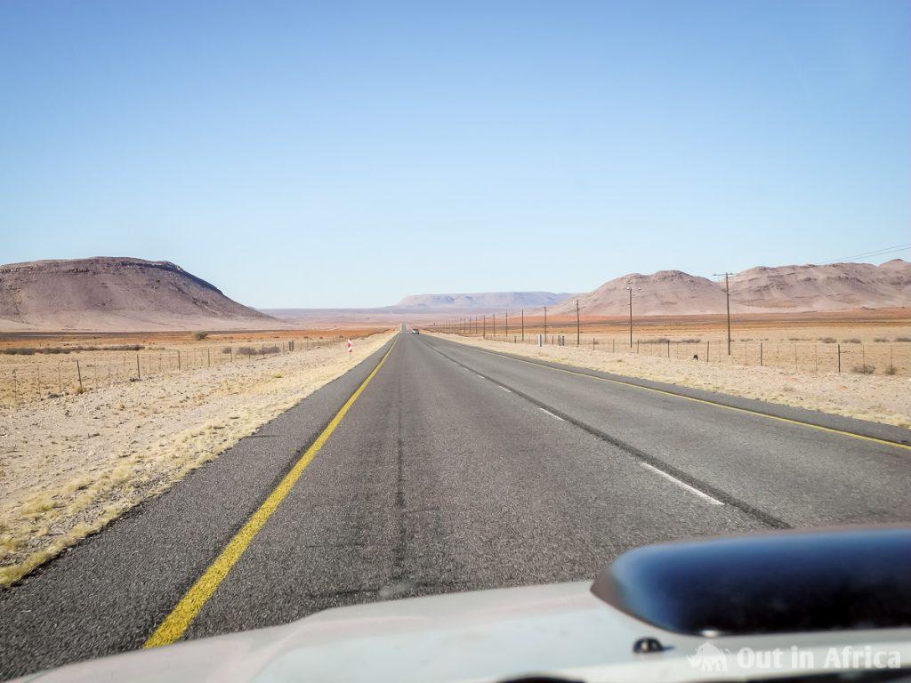Teerstraße durch die Karoo